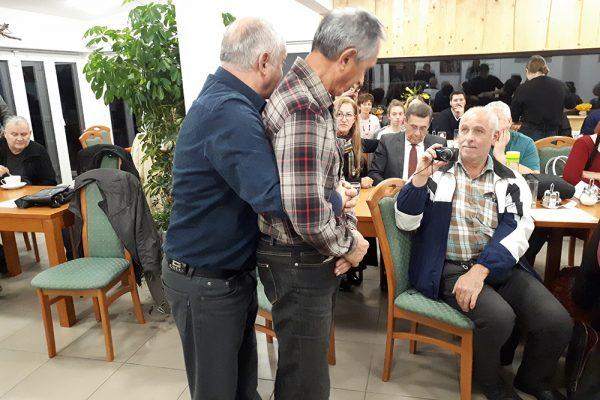 Atlasologa Vladimir Vojvodić in Dušan Strnard na tečaju prve pomoči