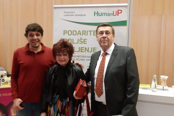 Kozmetična kraljica Zdenka Kahne s predsednikom Združenja HumanUP Damnjanom Damnjanovićem in atlasologom Vasom Kuzmanovićem