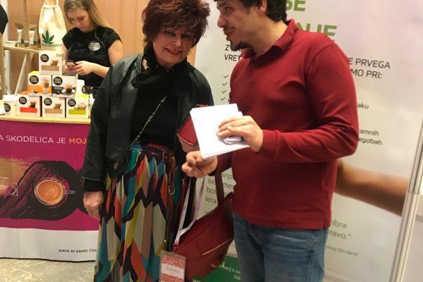 kozmetična kraljica Zdenka Kahne in Damnjan Damnjanović na dogodku 500 podjetnic (2)